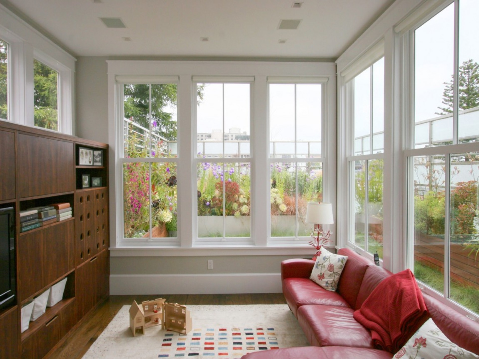 Top 10 Brilliant Ideas for Small Living Rooms - Tiny ...