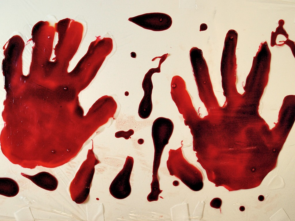 fake bloody handprint easy halloween decorations - Bloody Halloween Decorations