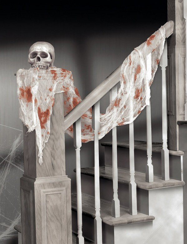 staircase bloody skull - Bloody Halloween Decorations