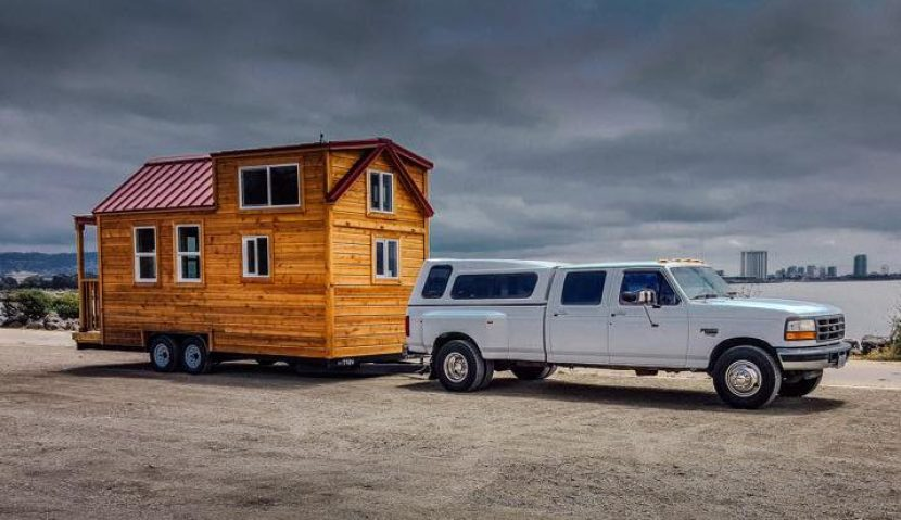 How to Towing a Tiny House Simply & Safely