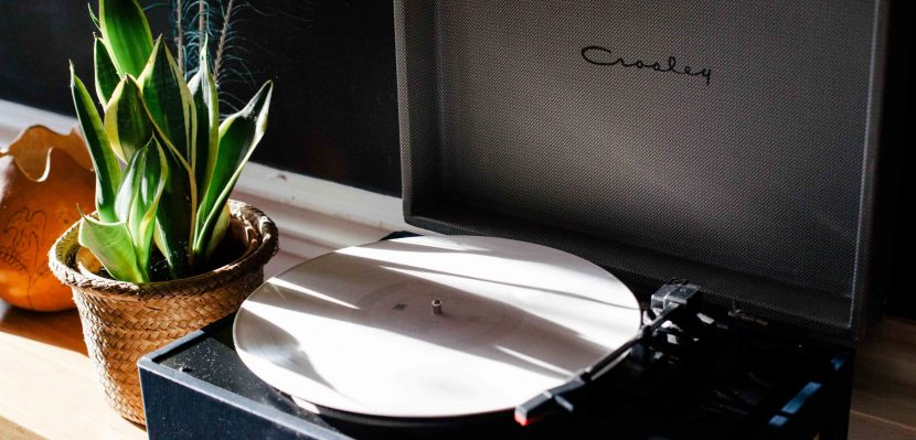 What is The Best Vintage Turntable and Portable Vintage Record Player – 2017 Review