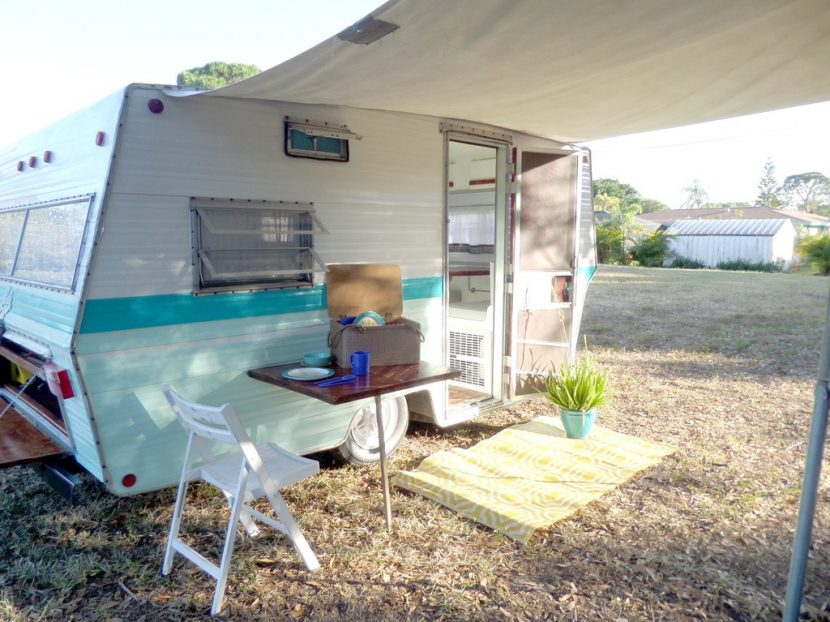 How to Decorating a Vintage Travel Trailer