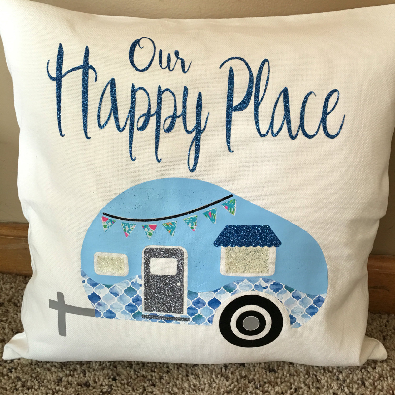 Decorate your vintage camper with handcrafts
