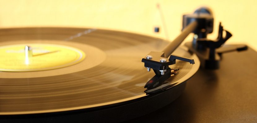 What is the Best Way to Clean Vinyl Records?