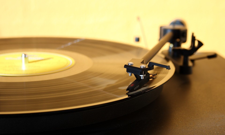 best way to clean record players