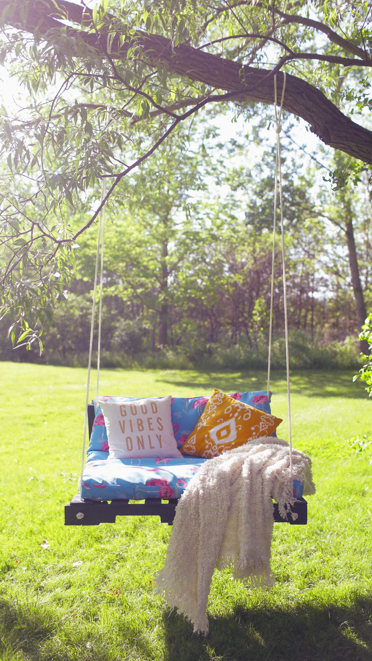 Yard Swing Plans from The Sorry Girls