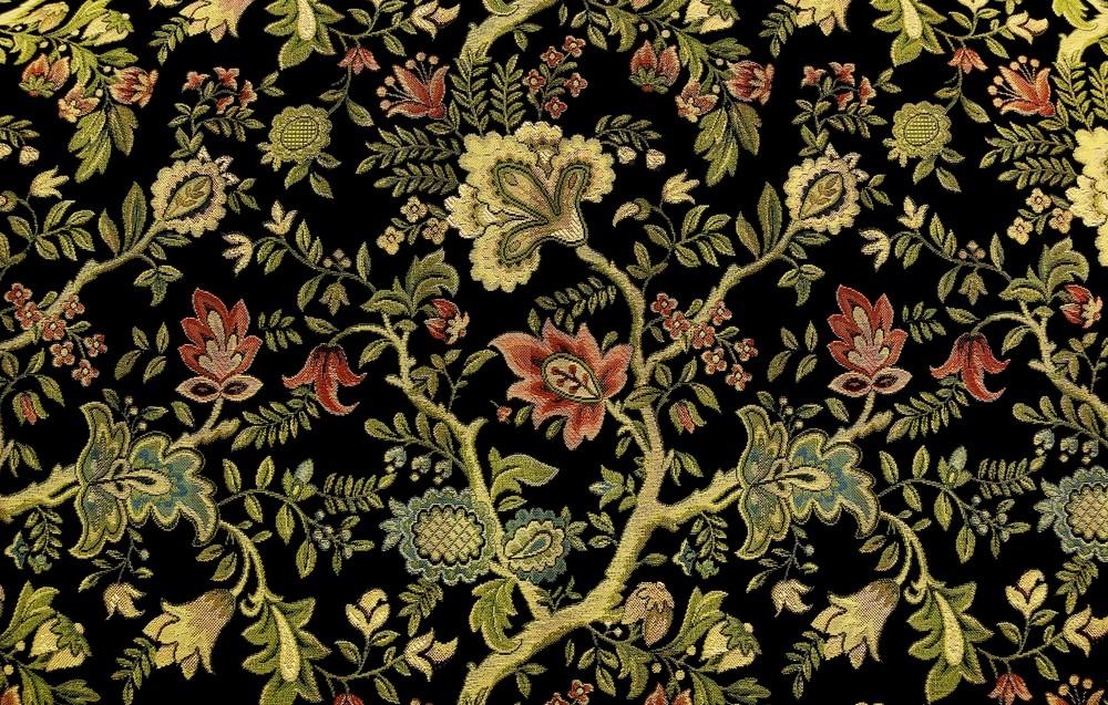 Adding decorative motifs of vines